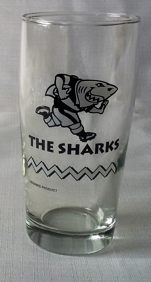 SHARKS WILLY GLASS - NEW