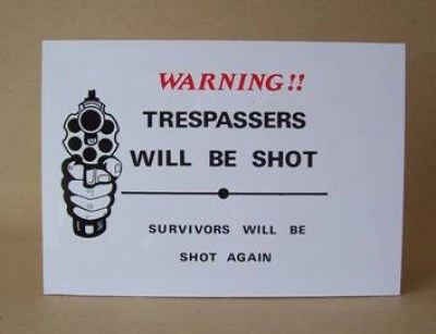 WARNING TRESPASSERS PLASTIC